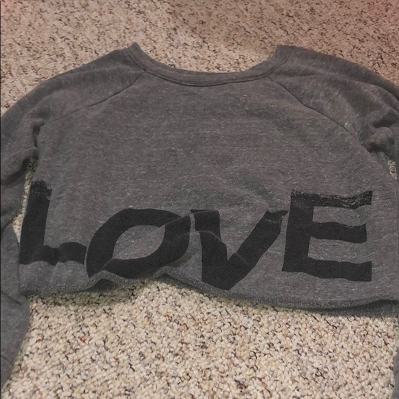 Wet Seal Tops - Gray crop top sweater